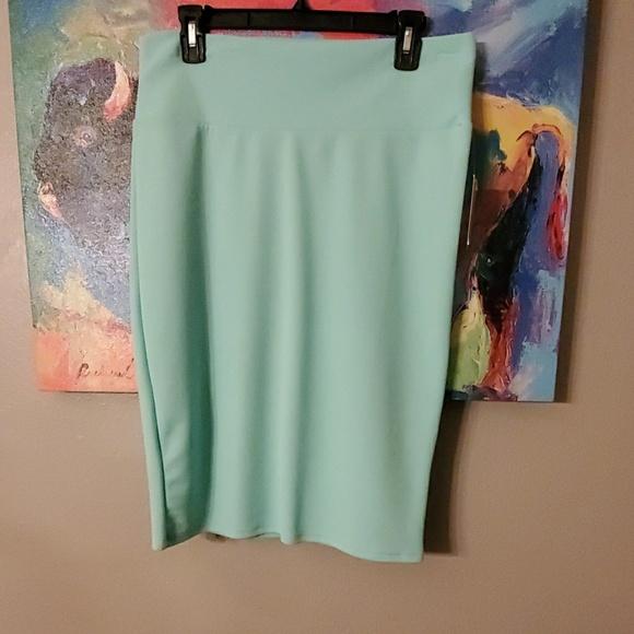 LuLaRoe Dresses & Skirts - Lularoe Cassie skirt